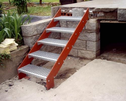 0015. ocelové schody - pororošt