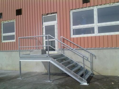0018. průmyslové schody, pororrošt