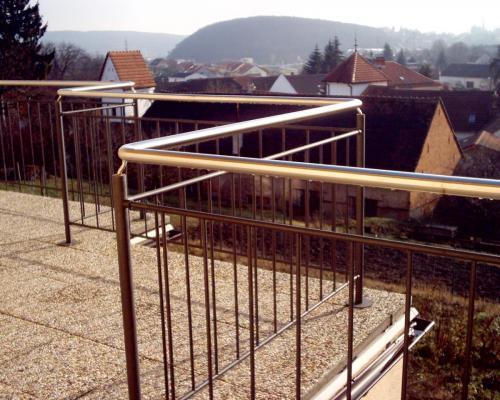 0034. ocelové venkovní zábradlí s nerezovým madlem, RD Brněnské Ivanovice