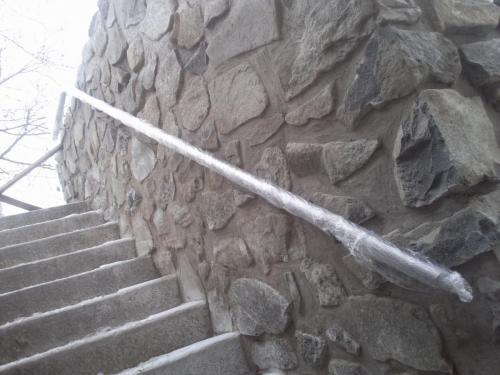 0037. nerezové madlo, venkovní schodiště, Hustopeče
