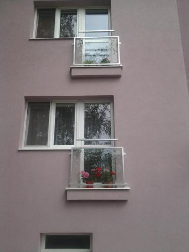 0057. zábradlí francouzkého okna, výplň sklo revitalizace BD Pohořelice