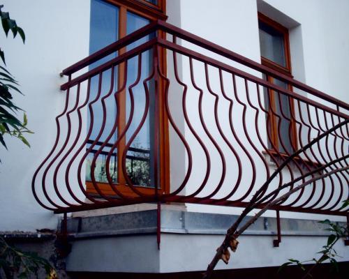 0063. zábradlí balkonu, kovářské prvky, činžovní dům, Brno