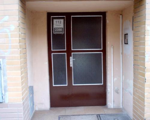 0093. vchodové dveře BD Brno
